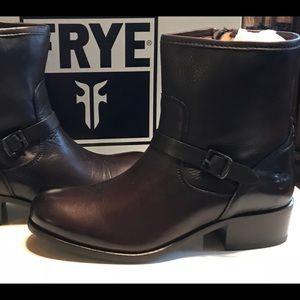 Brand-New FRYE Lynn Strap Short Boots